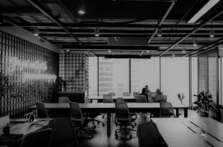 office-setting-in-black-and-white