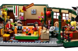 Your Favourite 90s Sitcoms as Lego Sets